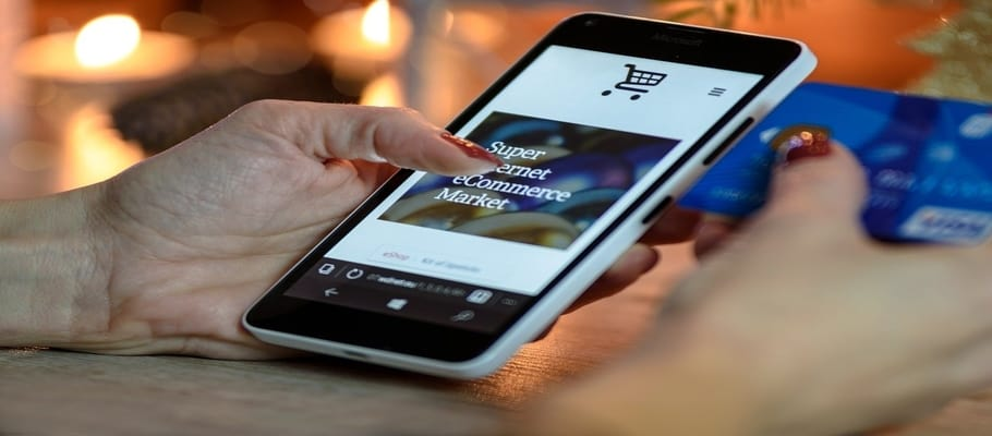 Use Smartphone While Shopping Online